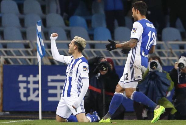 L'esultanza di Juanmi dopo il 3-1 della Real Sociedad sull'Osasuna (Fonte foto: El Pais)