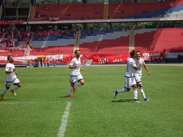 Celebración de Hernández tras su gol de tiro libre / FOTO: Caracas FC