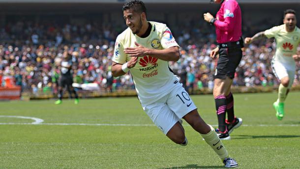 Cecilio Domínguez en su último gol con América ante Pumas | Foto: Marca