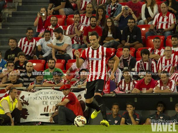Borja Viguera, en San Mamés, con la camiseta del Athletic. Fuente: Ricardo Larreina (vavel)
