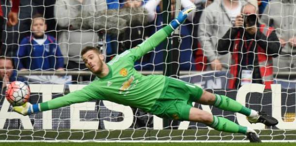 De Gea realizando una gran parada en un encuentro con el Man. United / Fuente: manutd.com
