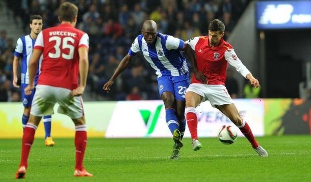 Danilo é aposta regular no 11 do Porto // Foto: Facebook do FC Porto