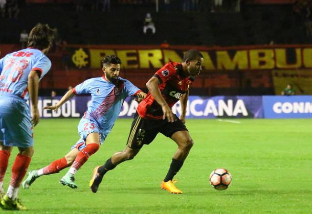 Patrick assinou contrato com o Leão até o fim da temporada (Foto: Williams Aguiar/Sport)