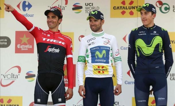 Soler, junto a Contador y Valverde en el podio final de la Volta. | Foto: El Periódico