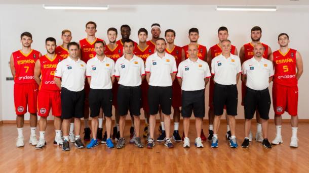 Dani de la Rúa (dorsal nº 4)  con la selección española | Foto: FEB