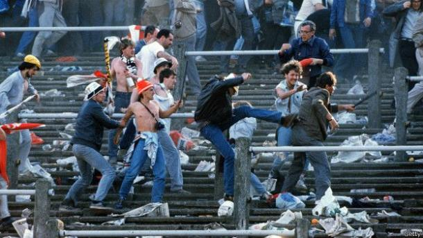 Pelea campal en el estadio de Heysel | Foto: GETTY