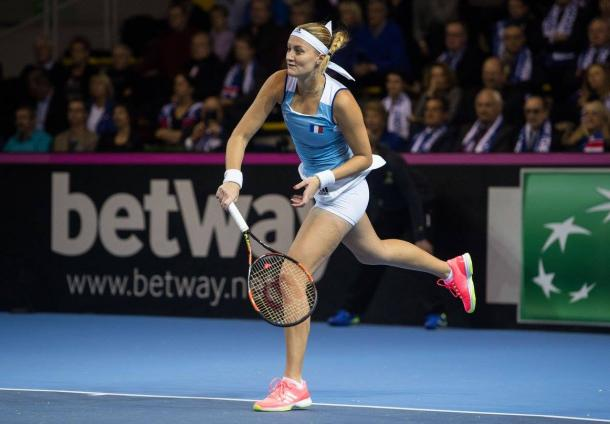 Mladenovic gets the crucial break | Photo: Fed Cup