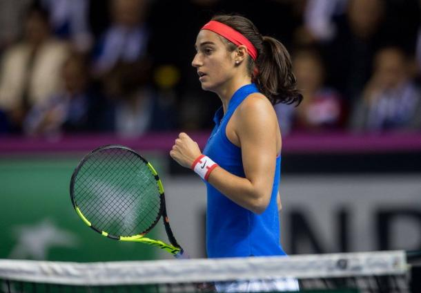 Garcia finds her range and takes the lead in the second set | Photo: Fed Cup