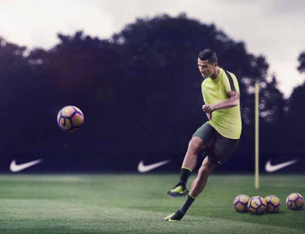 Cristiano Ronaldo conta com 66 golos em 135 jogos pela selecção portuguesa | Foto: Facebook Oficial do Jogador