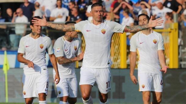 Kolarov celebra su gol ante la Atalanta. / Foto: asroma.com