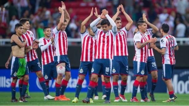 Las Chivas tras clasificarse para la final en el Red Bull Arena. / Foto: chivasdecorazon.com.mx