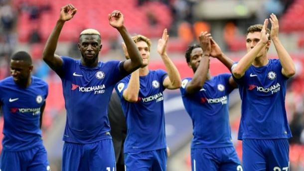 Bakayoko festeja tras la victoria en Wembley ante Tottenham | Foto: Premier League.