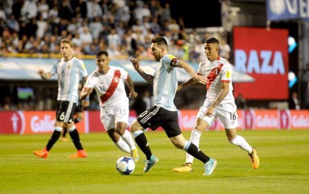 Messi continúa como el goleador de la Albiceleste en las Eliminatorias | Foto: El Día
