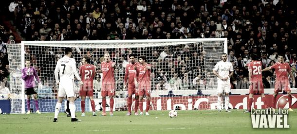 Partido entre Real Madirid y Liverpool en el Santiago Bernabéu | Foto: VAVEL