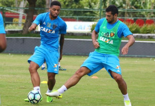 Diego Souza marcou 14 gols e também ajudou Leão a evitar descenso em 2016 (Foto: Williams Aguiar/Sport)