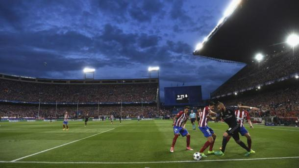 Benzema se va de tres zagueros colchoneros con un regate de ensueño | Foto: Goal.com