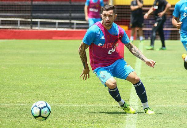 Um dos mais regulares em 2017, chileno não renovou com o Leão para 2018 (Foto: Williams Aguiar/Sport)
