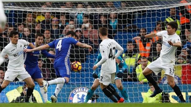 Fábregas marcó ante los Swans en el último choque entre ambos en Stamford | Foto: Chelsea.