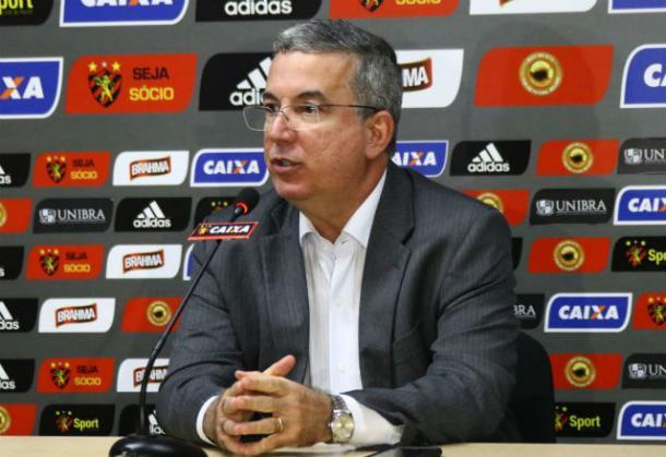 Representando Leão no conselho técnico, presidente Arnaldo se diz contrário a custear VAR (Foto: Williams Aguiar/Sport)