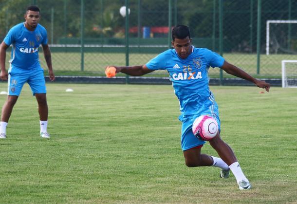 Jovem atacante Índio ganha chance entre os 11 do Leão no lugar de Thomás (Foto: Williams Aguiar/Sport)