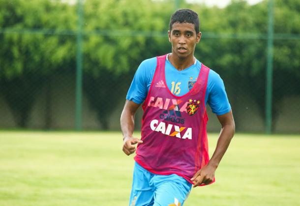 Campeão com o Flamengo em 2013, Gabriel atenta para dificuldades (Foto: Williams Aguiar/Sport)