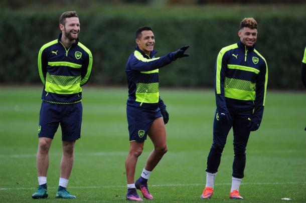 Sanchez, Mustafi e Iwobi in allenamento - Fonte: arsenal.com