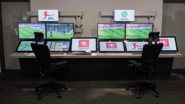 Sala VAR en la Bundesliga. Fuente:AFP