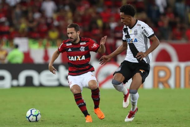 Éverton Ribeiro foi um dos melhores em campo contra a Ponte Preta (Foto: Gilvan de Souza/ Flamengo)