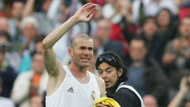 Zinedine Zidane en su retirada con el Real Madrid