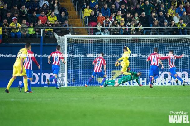 Jonathan dos Santos marca su gol contra el Atlético en la 1ª vuelta | Imagen: Silvestre Szpylma (VAVEL.com)