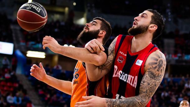 Dubljevic y Poirier se verán las caras de nuevo en el Buesa Arena. | Foto: ACB