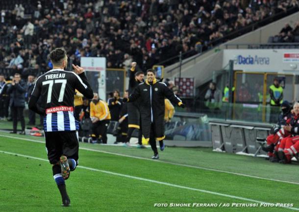 Thereau festeggia un gol contro il Crotone. Fonte: www.facebook.com/UdineseCalcio1896