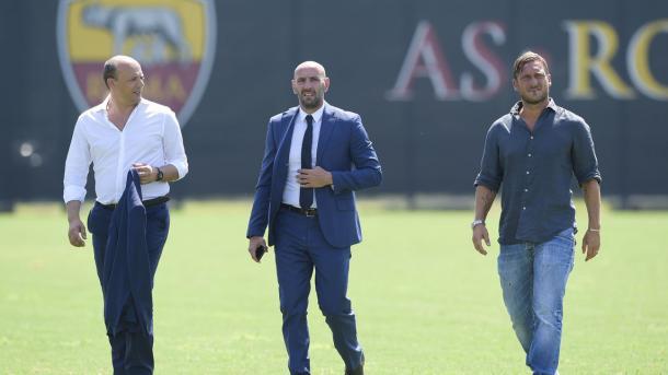 Monchi y Totti durante un entrenamiento / Foto: AS Roma