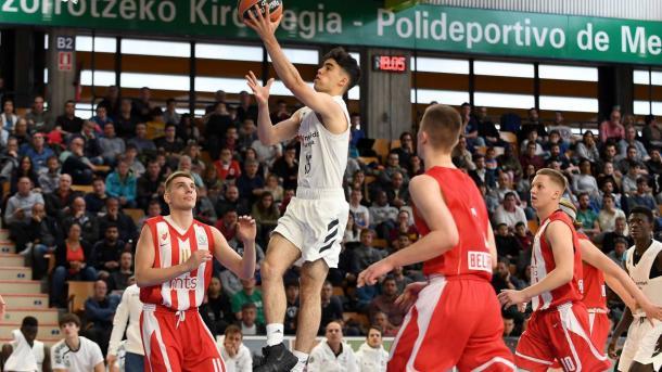 Jorge Mejías realiza una entrada a canasta | Foto: www.realmadrid.com