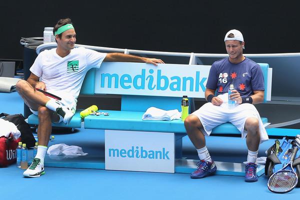 Federer y Hewitt (Fotografía: zimbio.com)