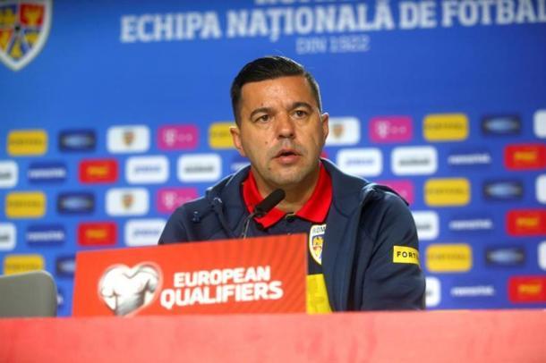 Cosmin Contra siendo seleccionador de Rumanía | Fuente: Getty
