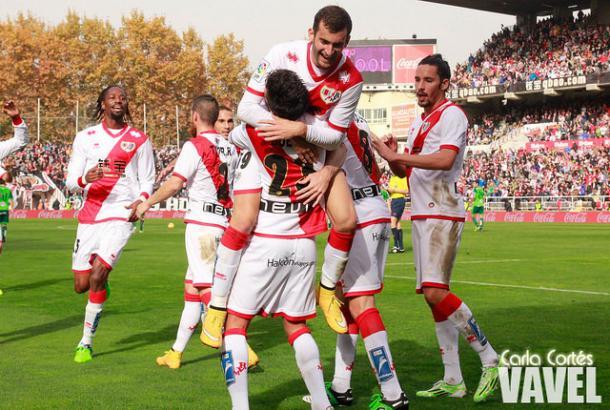 El Rayo celebrando el tempranero gol de Alberto Bueno | Imagen de Carla Cortés