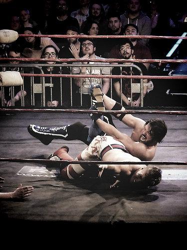 Ospreay - AJ Styles. Photo: www.flickriver.com