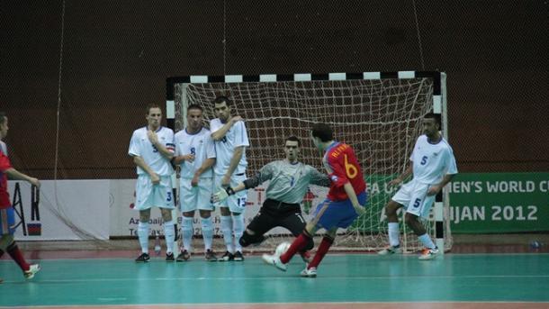 Álvaro en el momento de anotar el segundo gol | Foto: UEFA
