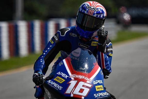 Roberts al acabar la carrera en Brno, en la que logró su primer podio. Imagen: MotoGP