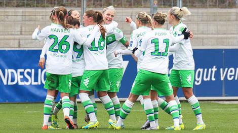 Wolfsburg celebrate their victory.   Photo: vfl-wolfsburg.de