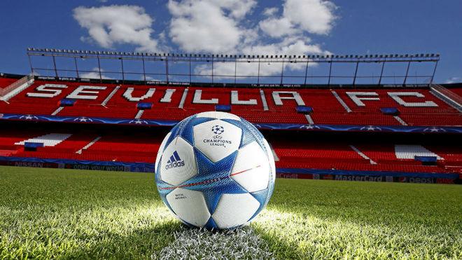 El balón de la UCL luce en el Pizjuán    Foto: Sevilla FC