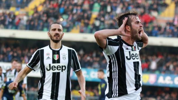 La gioia incontenibile di Pjanic, in goal contro il Chievo | Foto: tuttosport.com