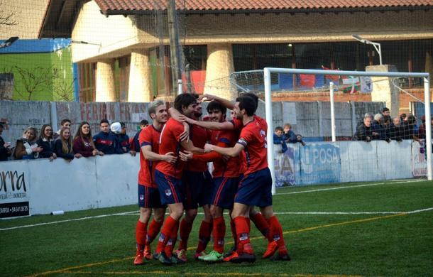 Arufe festeja un gol ante el Deusto el pasado sábado; Imagen: Aurrera KE