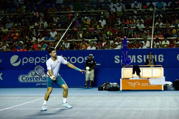 Novak Djokovic practiced for the first time last night before a very energetic crowd. (Photo: Mextenis / Jorge Reyes)