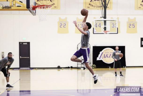 Ball en el entrenamiento de los Lakers | NBA