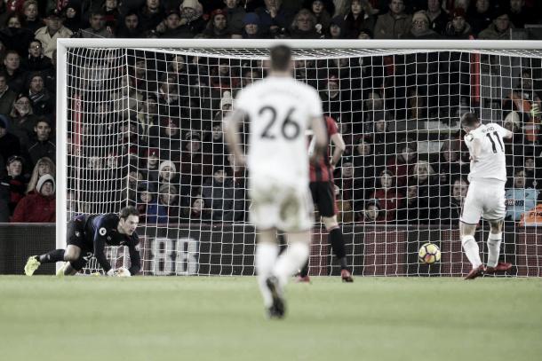 Foto: Gol de Wood para el 1-0 parcial | .afcb.co.uk