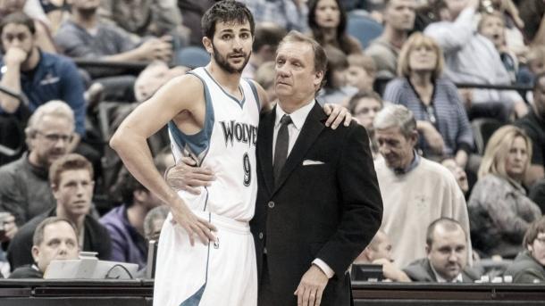 Ricky junto a su hasta entonces entrenador, Flip Saunders | Foto: Eurosport