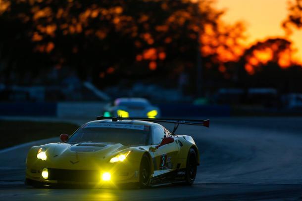 Corvette supera Ford na GTLM. (Foto: IMSA)