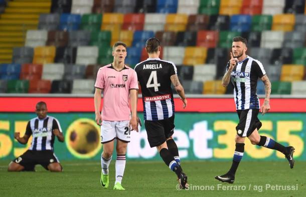 Thereau esulta per il gol dell'1-1 al Palermo. Fonte: www.facebook.com/UdineseCalcio1896
